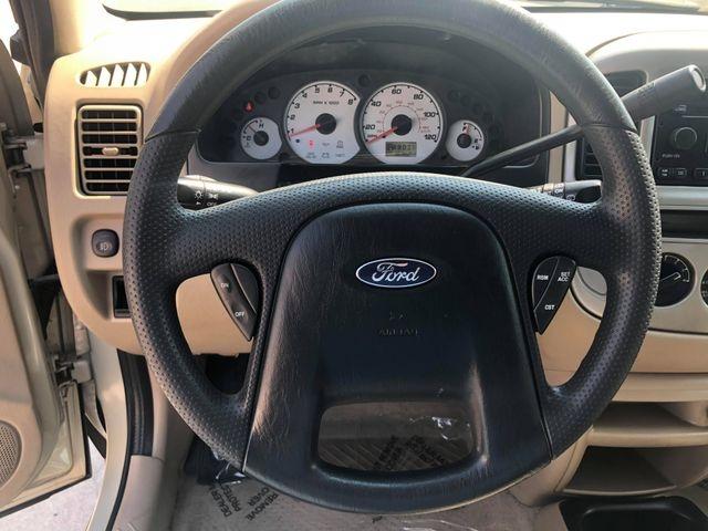 Ford Escape 2004 price $3,885