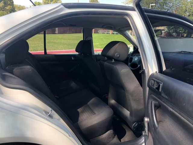 Volkswagen Jetta 2002 price $2,985