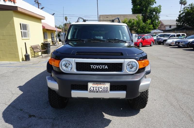 Toyota FJ Cruiser 2012 price $29,900
