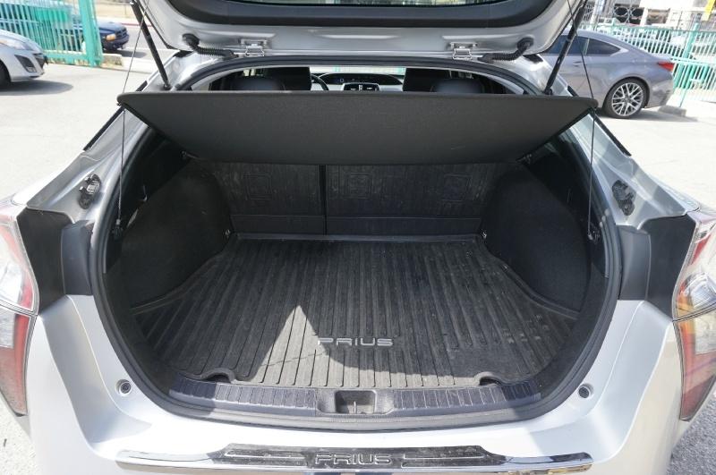 Toyota Prius 2018 price $13,900