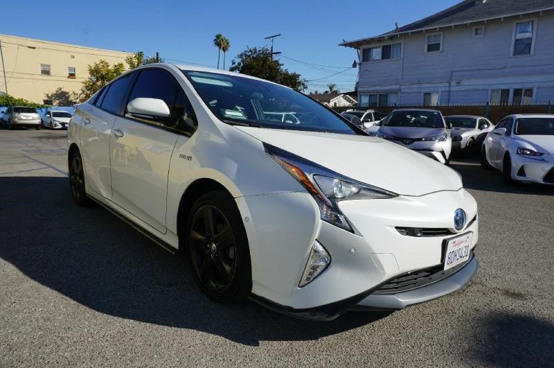 Toyota Prius 2018 price $18,900