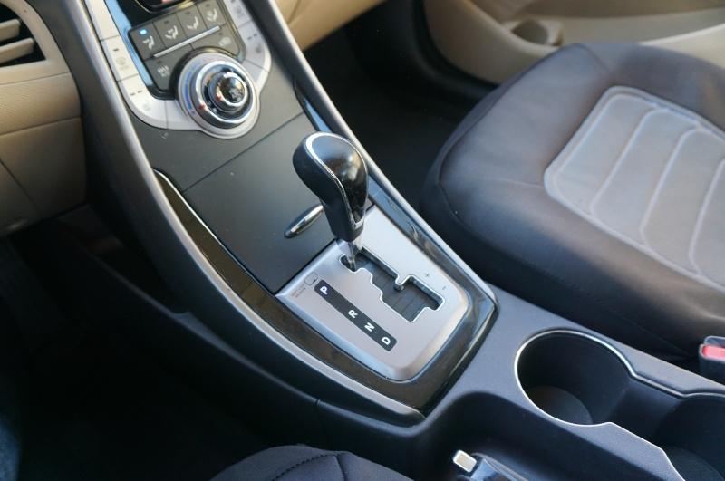 Hyundai Elantra 2013 price $6,200