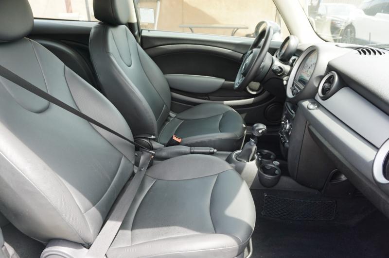 Mini Cooper Hardtop 2011 price $7,900