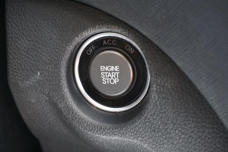 Hyundai Santa Fe 2013 price $13,900
