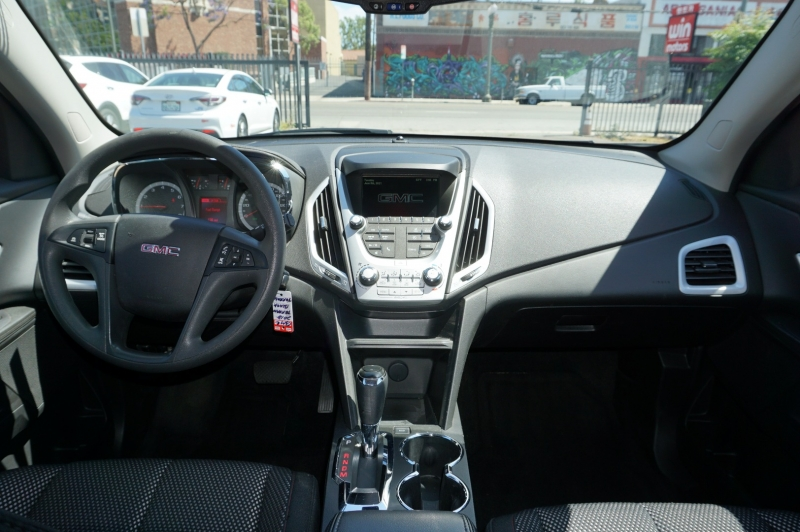 GMC Terrain 2017 price $17,900