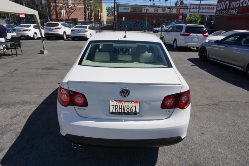 Volkswagen Jetta 2010 price $7,900