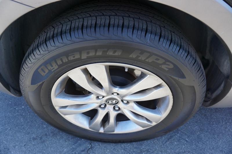 Hyundai Veracruz 2012 price $11,900