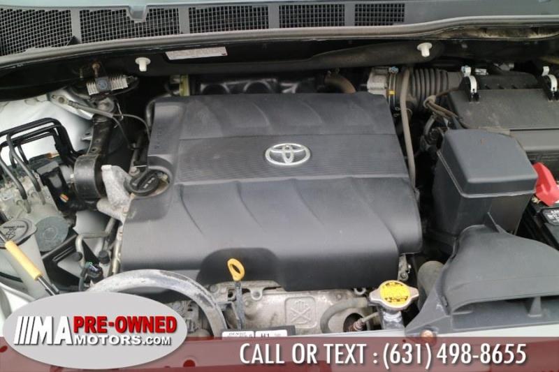Toyota Sienna 2014 price $19,595