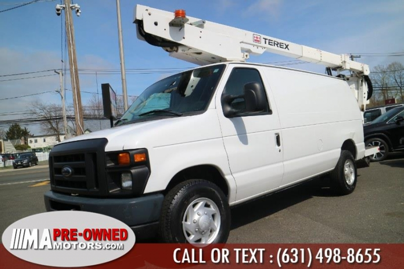 Ford Econoline Cargo Van with boom 1530 hurs 2009 price $19,995
