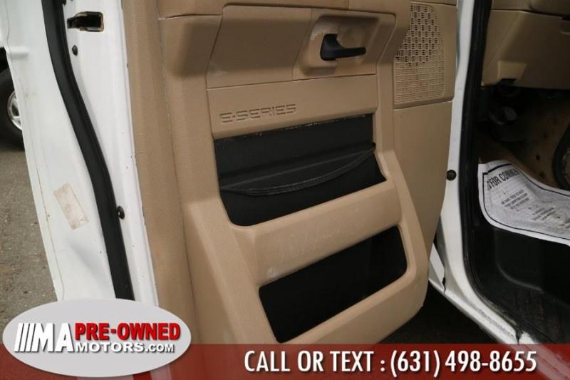 Ford Econoline club van 15 passanger 2013 price $19,495