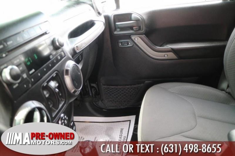 Jeep Wrangler Unlimited 2015 price $32,495