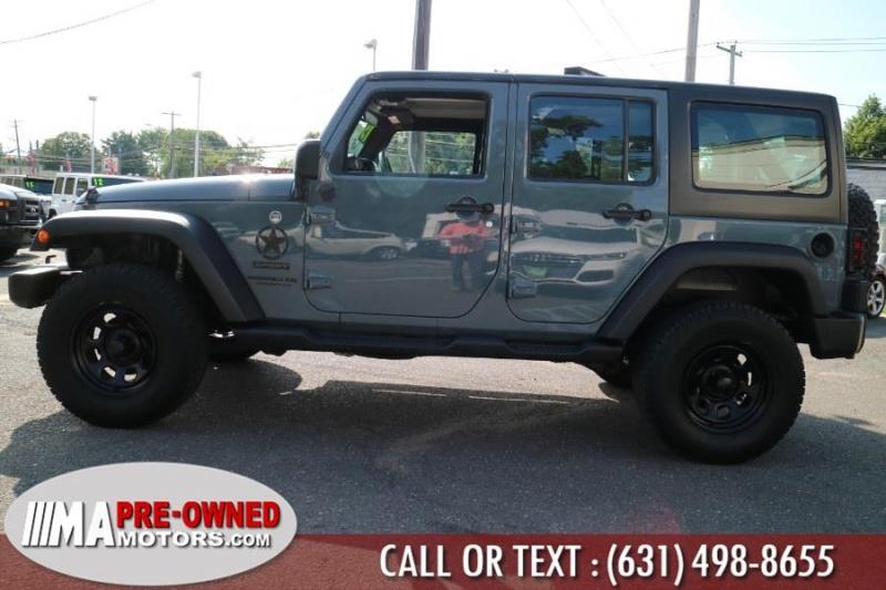 Jeep Wrangler Unlimited 2015 price $27,995