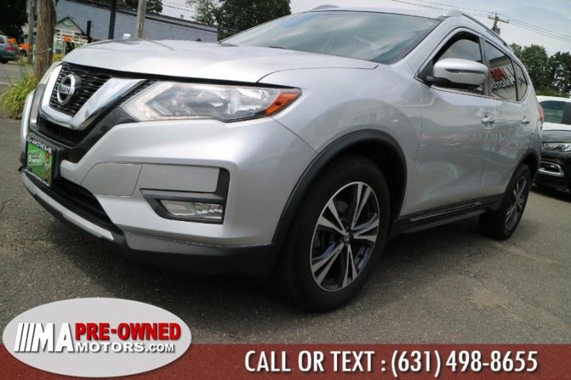 Nissan Rogue 2017 price $20,995