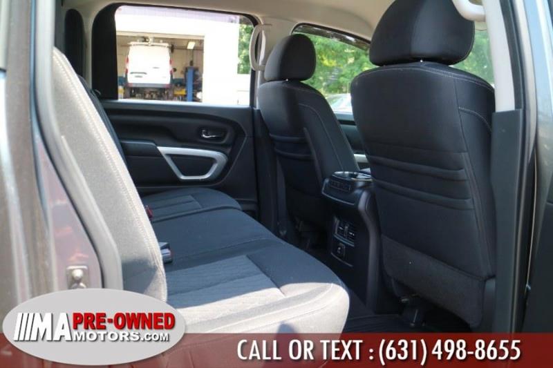 Nissan Titan crew cab SV 4x4 5.6 L 2017 price $33,995