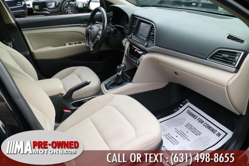 Hyundai Elantra 2018 price $19,595