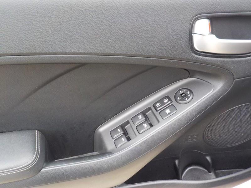 Kia Forte5 2017 price $9,990