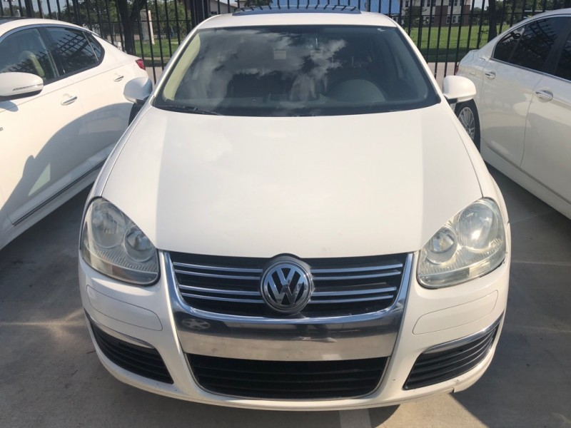 Volkswagen Jetta Sedan A5 2005 price $4,995 Cash