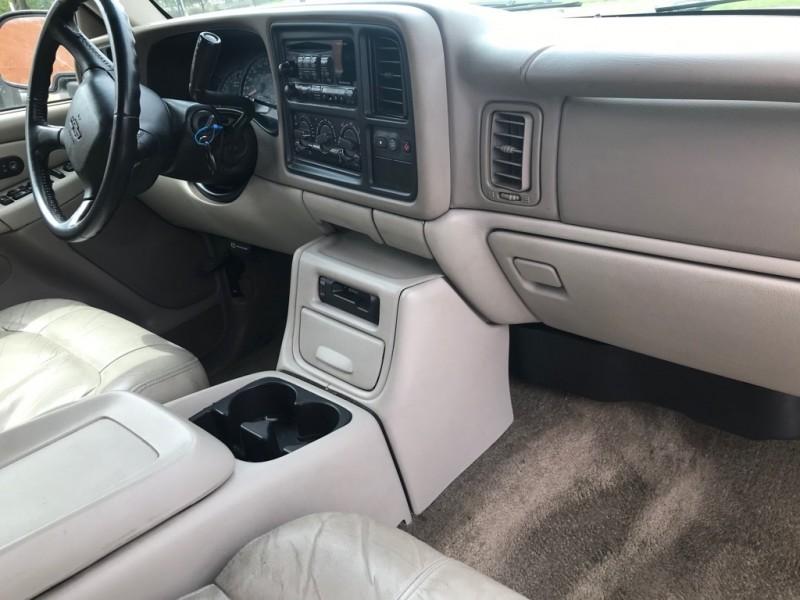 Chevrolet Suburban 2002 price $3,999 Cash