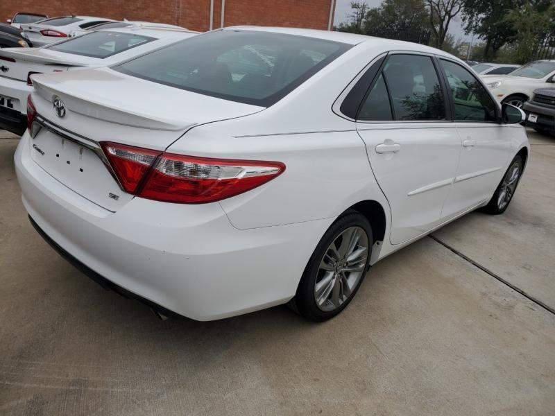 Toyota Camry 2015 price $12,999 Cash