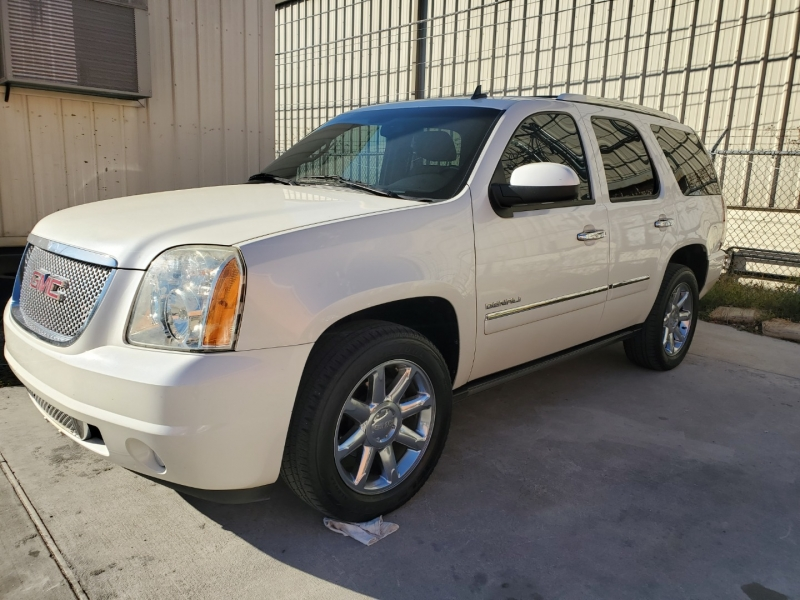 GMC Yukon 2011 price $14,999 Cash