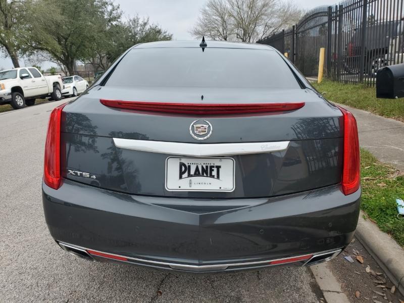 Cadillac XTS 2013 price $15,999 Cash