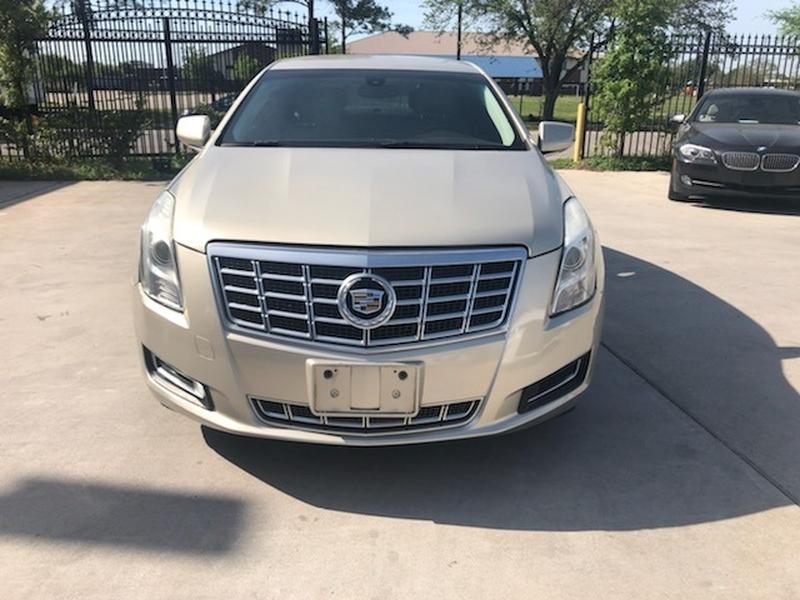 Cadillac XTS 2013 price $14,999 Cash