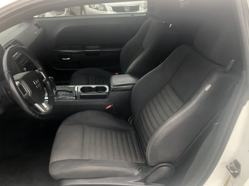 Dodge Challenger 2013 price $17,999 Cash