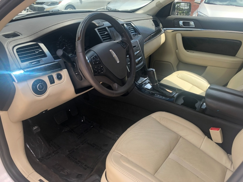 Lincoln MKS 2014 price $17,999 Cash