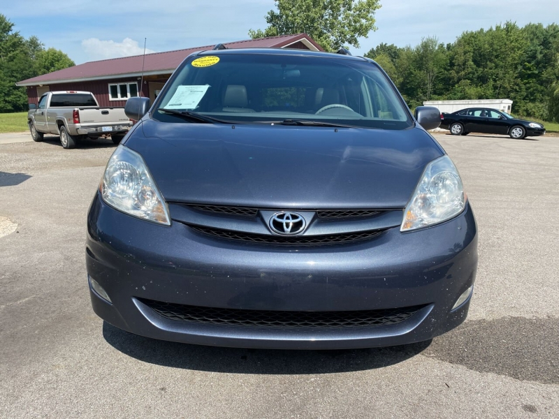 Toyota Sienna 2008 price $8,950