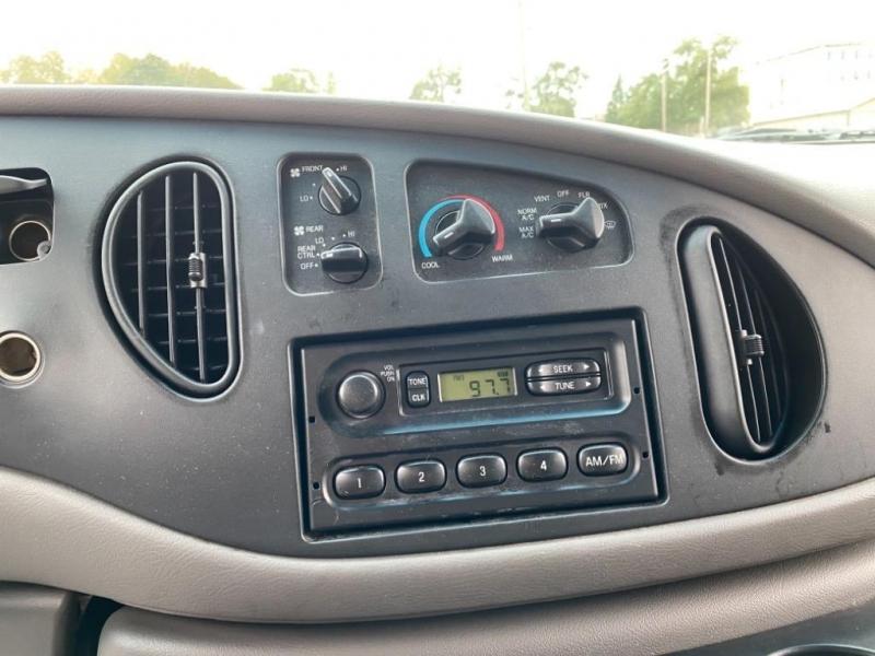 Ford E-350 1998 price $6,995
