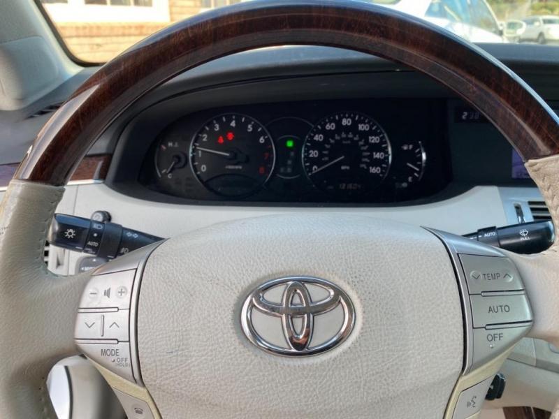 Toyota Avalon 2008 price $9,995