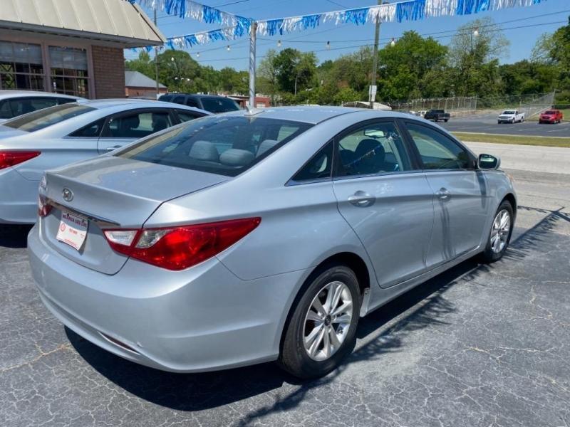 Hyundai Sonata 2012 price $9,995