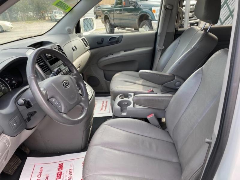 Kia Sedona 2008 price $6,995