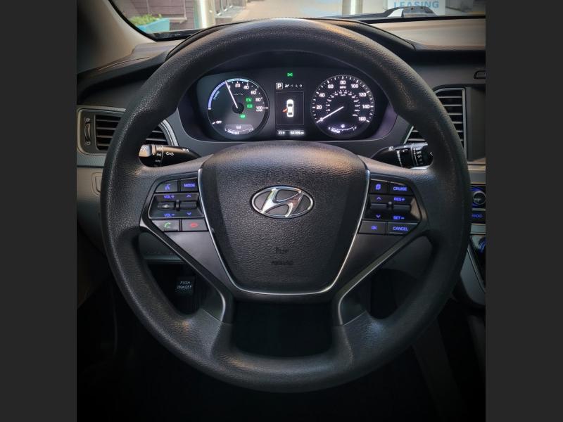 Hyundai Sonata Hybrid 2017 price $16,900