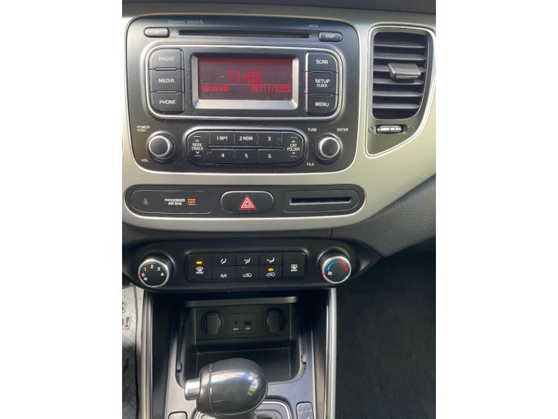 Kia Rondo 2014 price $8,900