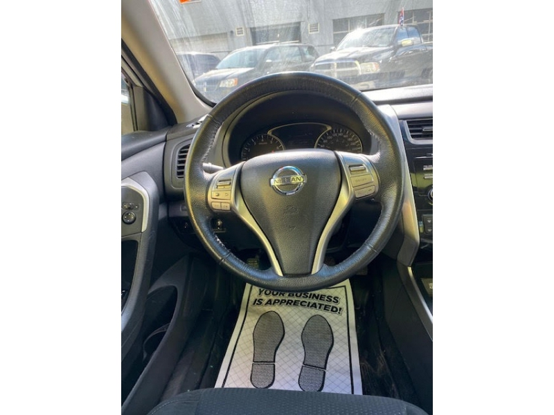 Nissan Altima 2015 price $10,950