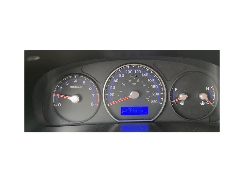 Hyundai Santa Fe 2010 price $8,450