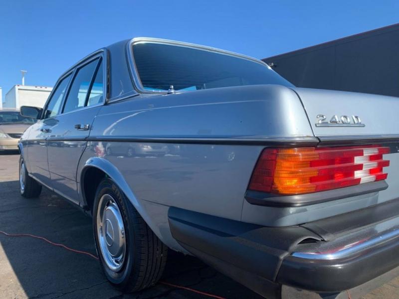 MERCEDES-BENZ 240 1982 price $6,995