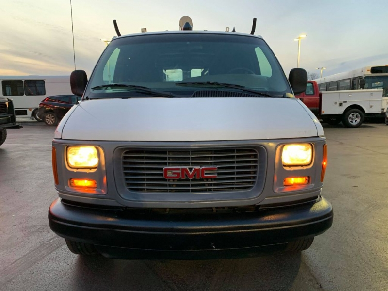 GMC SAVANA 2000 price $5,995
