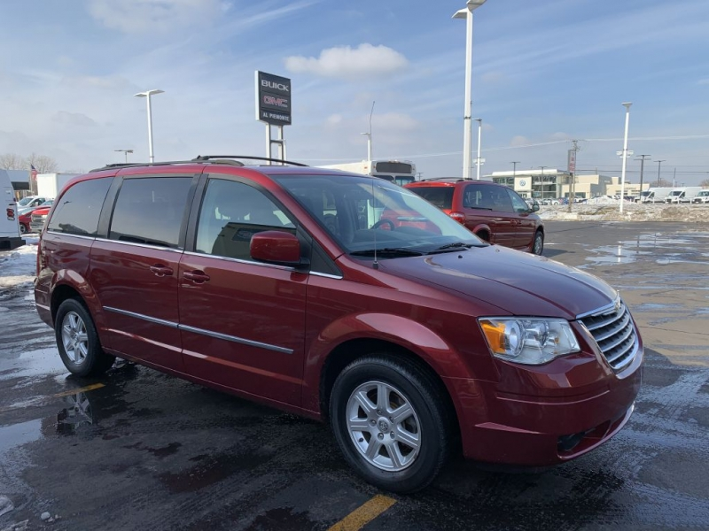 CHRYSLER TOWN & COUNTRY 2010 price $6,500