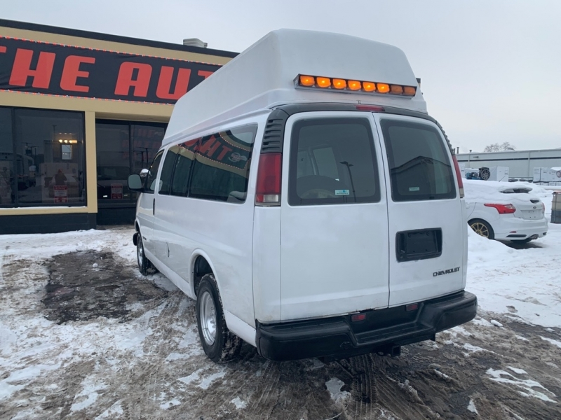 CHEVROLET EXPRESS G2500 2000 price $7,495