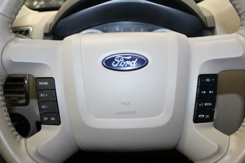 Ford Escape Hybrid 2009 price $8,850