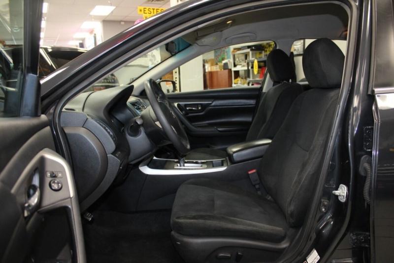 Nissan Altima 2015 price $10,850