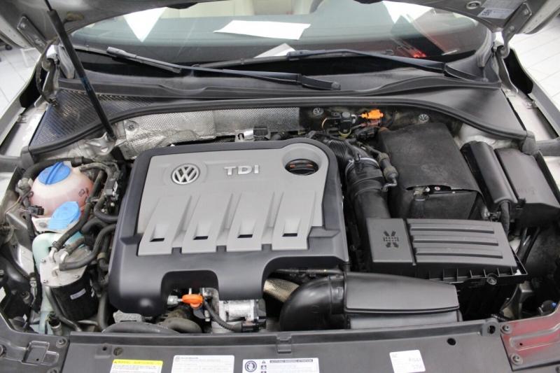Volkswagen Passat 2013 price $12,850