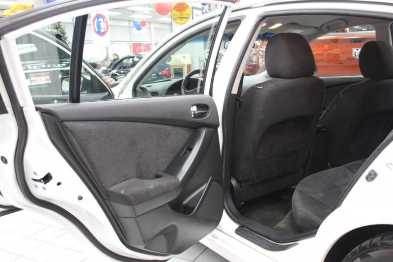 Nissan Altima 2012 price $10,950