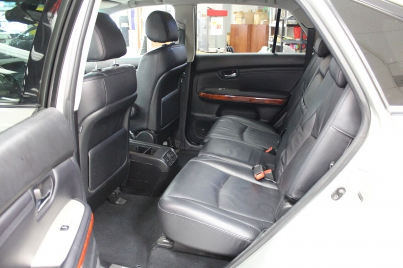 Lexus RX 330 2005 price $6,950