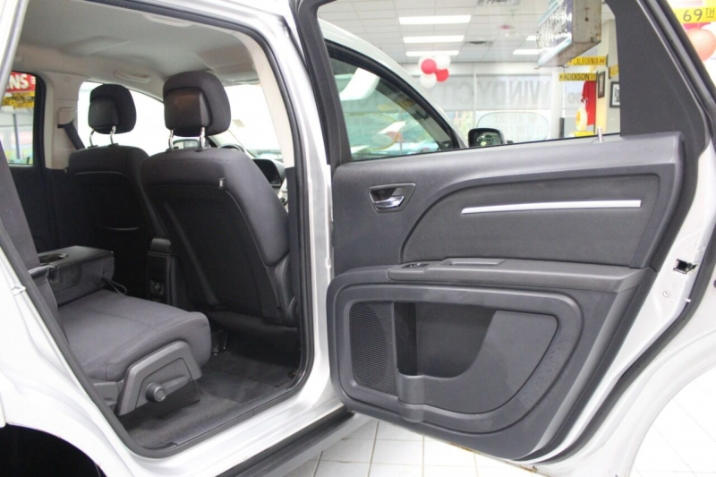 Dodge Journey 2010 price $8,950