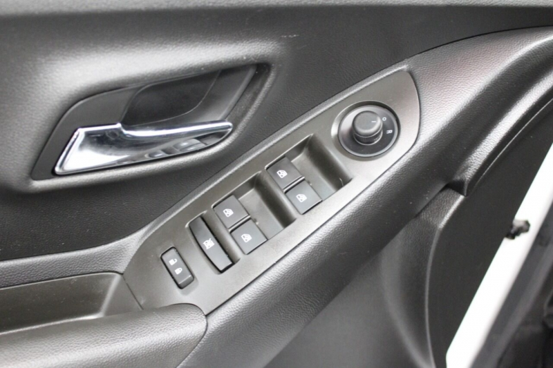 Chevrolet Trax 2016 price $14,850