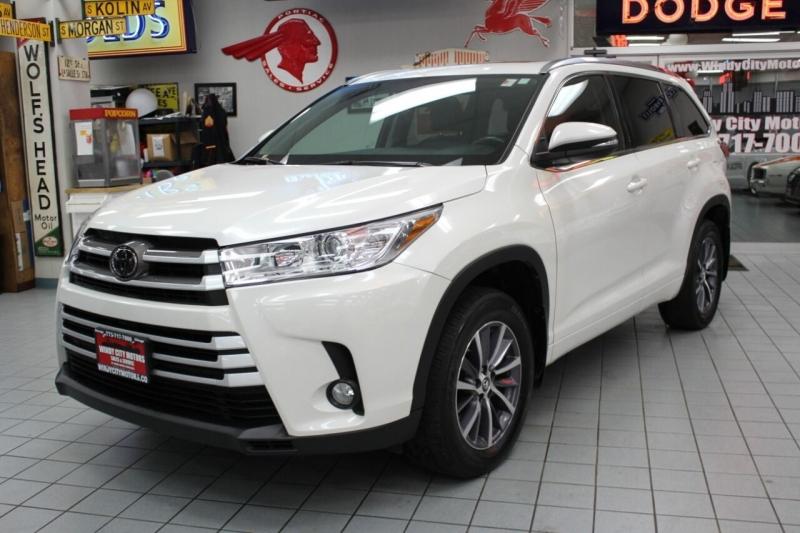 Toyota Highlander 2018 price $31,850