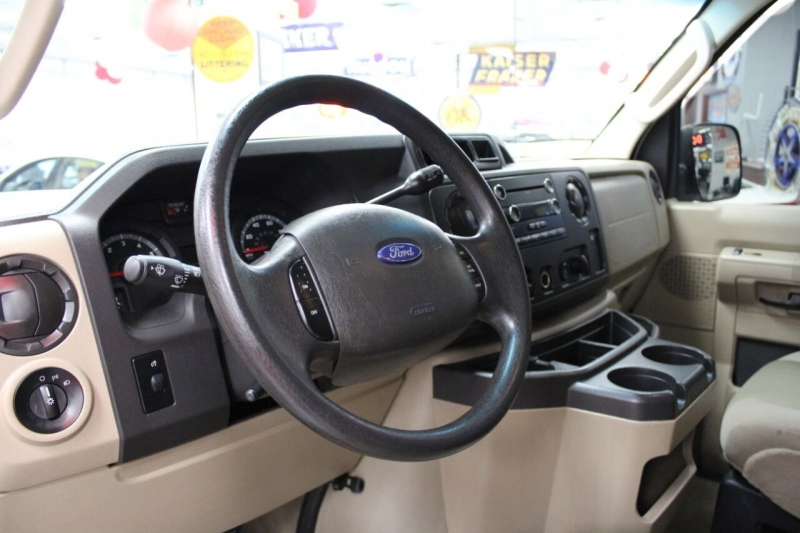 Ford E-Series Wagon 2009 price $13,450